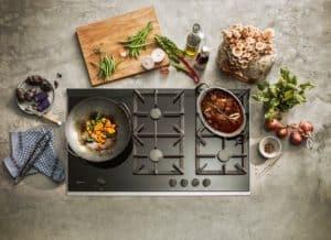 Wenn wir uns schon die Zeit zum Kochen nehmen, dann richtig: mit Profi-Equipment und smarter Technik. (Foto: HLC/NEFF)