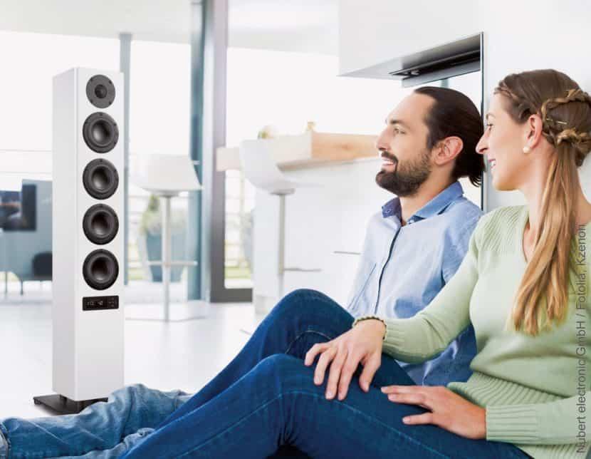 Multimedia-Standlautsprecher bieten brillante Klangerlebnisse dank modernster Digitaltechnik. (Foto: HLC/ Nubert electronic GmbH)