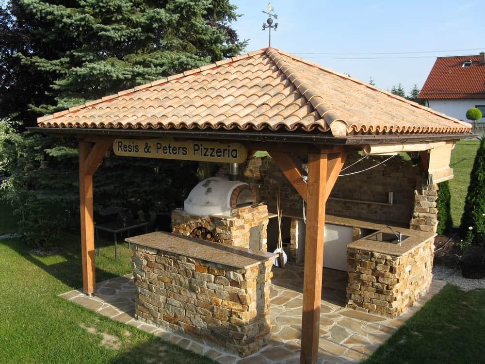 Grillstelle im Garten mit südländischem Flair | BAUFUX - Netzwerk