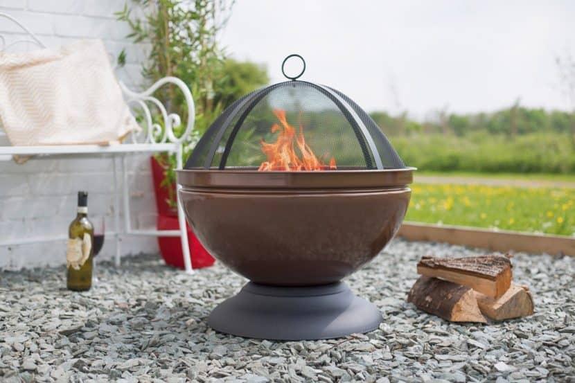 Feuerstelle mit Grill