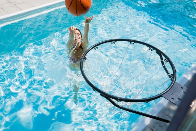 Basketballkorb Swimmingpool